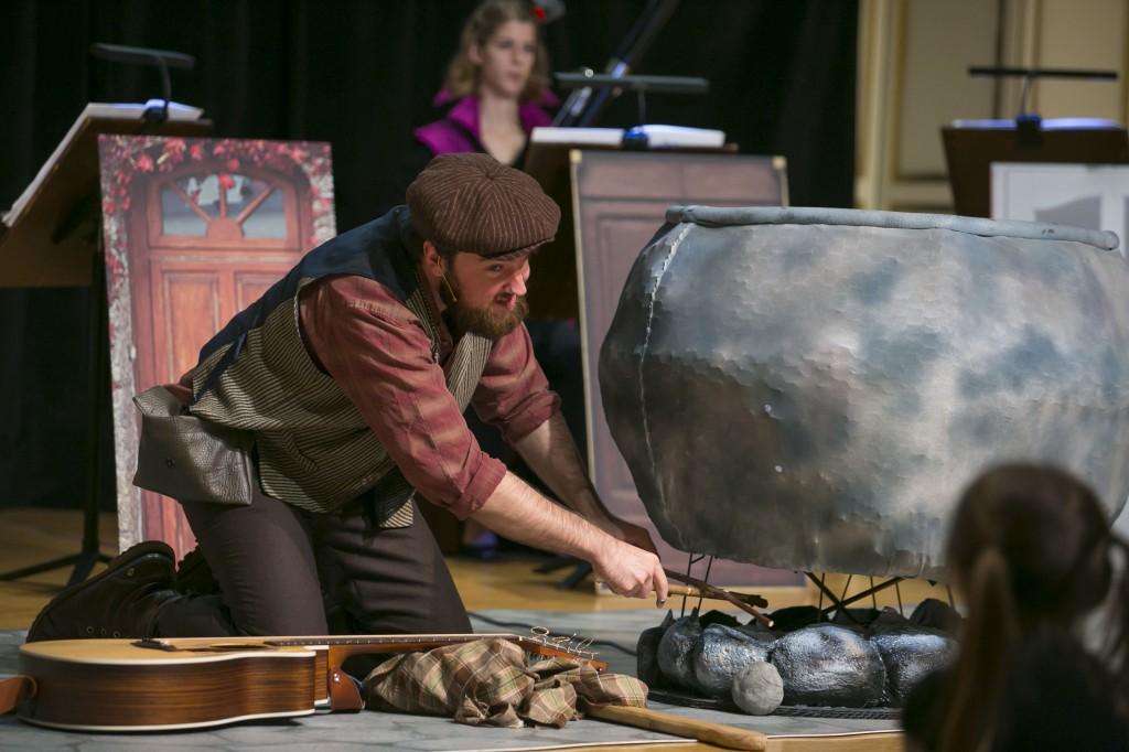 Once Upon a Symphony_Stone Soup_Alexander Mauney cauldron_Credit_Todd Rosenberg